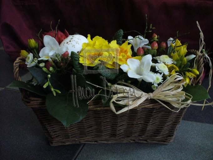 Velikonoční aranžmá v nádobách